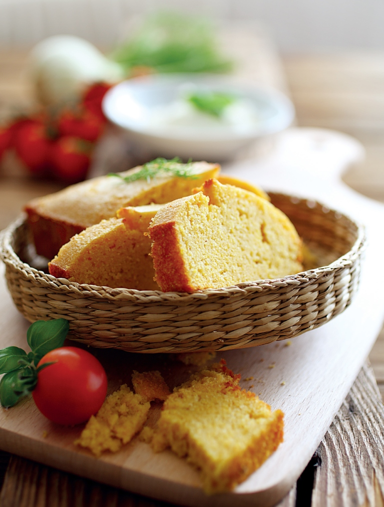 kukuruzni kruh recept