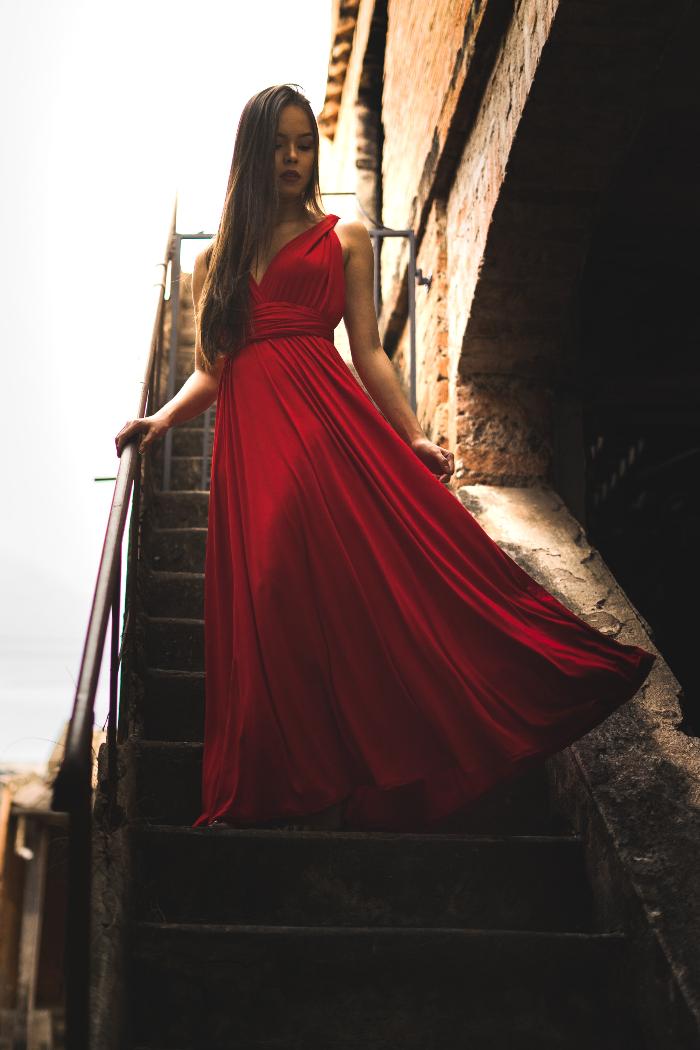 crvena boja aure